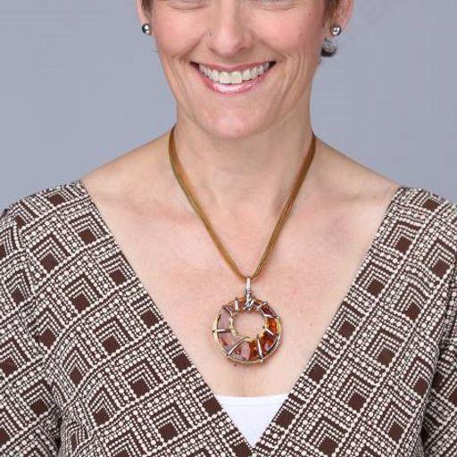 4e896248672b1 1355 Yvonne Heath is married to her best friend Geordie