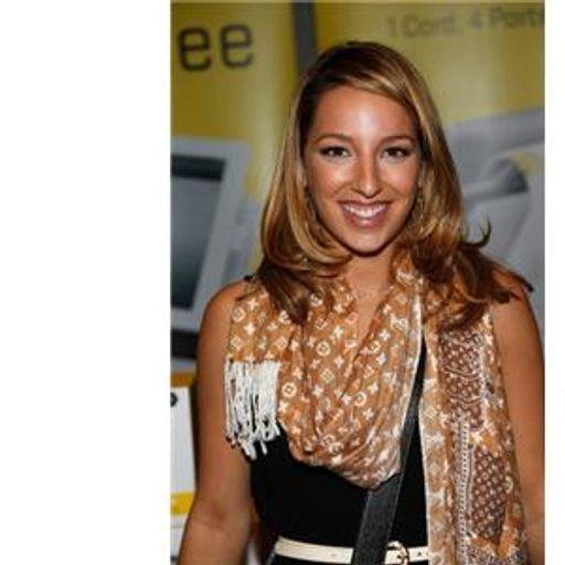 Special Guest: Vanessa Lengies from Gleek Speak Radio aka Glee Radio