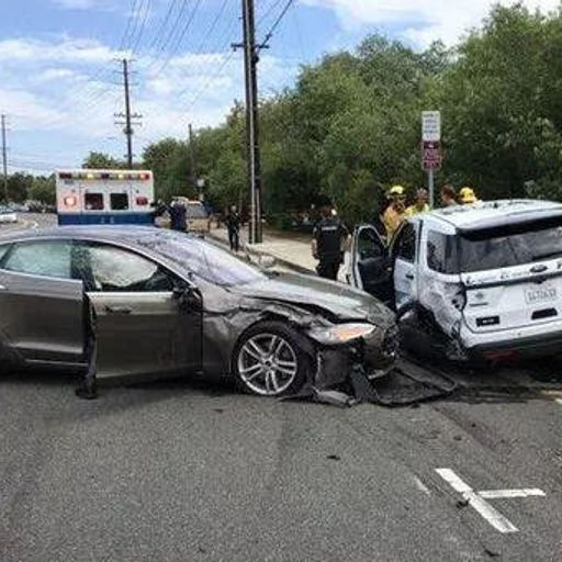 Autopilot car crash from Kevin Hilley on RadioPublic